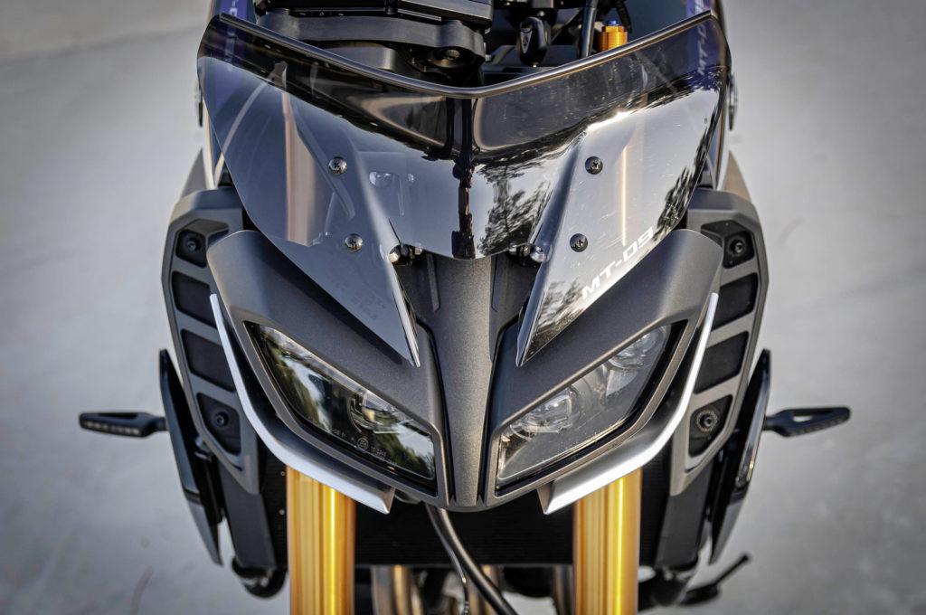 Faro Yamaha MT 09 SP